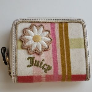 💗Juicy Couture Authentic Tweed Wallet